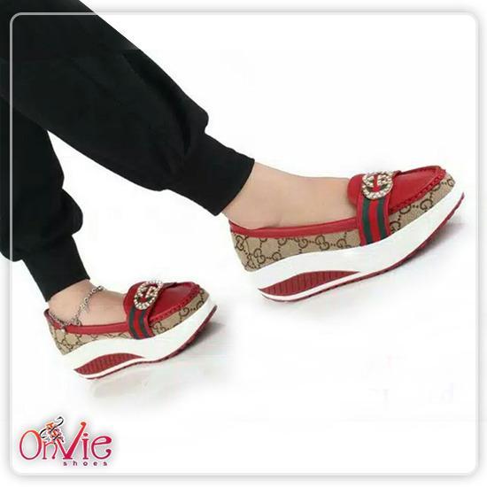 Onvie Sepatu Slipon Wedges Wanita Sepatu Kerja Formal GG01