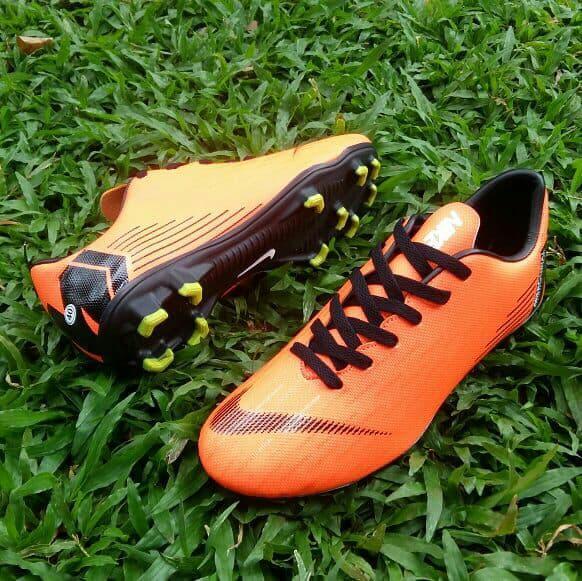 Sepatu BOLA Terbaru - PM16 - PREMIUM - TERMURAH BAHAN OKEBISA BAYAR DI TEMPAT