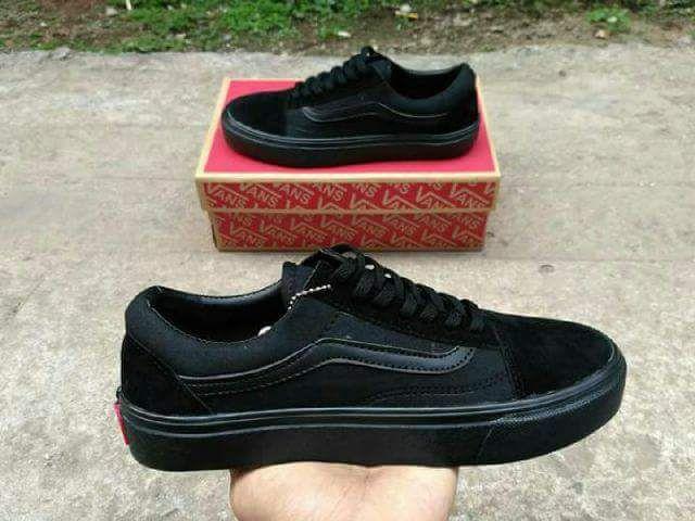 fashion sepatu vans authentic full black (COD)