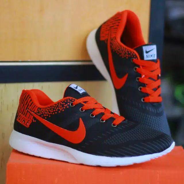 Katalog Harga Sepatu Nike Untuk Jogging Terbaru Semua Marketplace ... 8a17cc87c7
