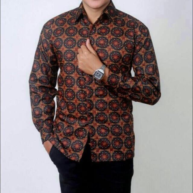 Kemeja Batik Pria Lengan Panjang Batik Exclusive Priyayi / Batik Pekalongan / Kemeja Kantor / Batik Executive / Batik Tradisional
