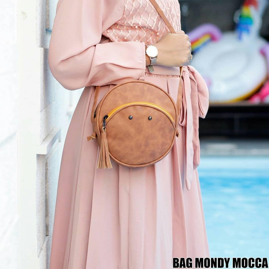 Ubay Shop - Sling Bag Naura Bulat Tas Wanita Bulat. IDR 36,000 IDR36000. View