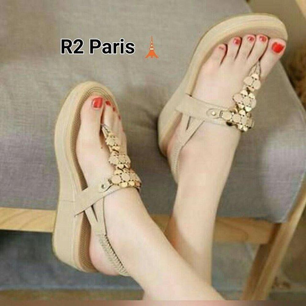Sneakers Wanita Sandal wanita Wedges R2Paris warna Cream Lazada Flash Sale