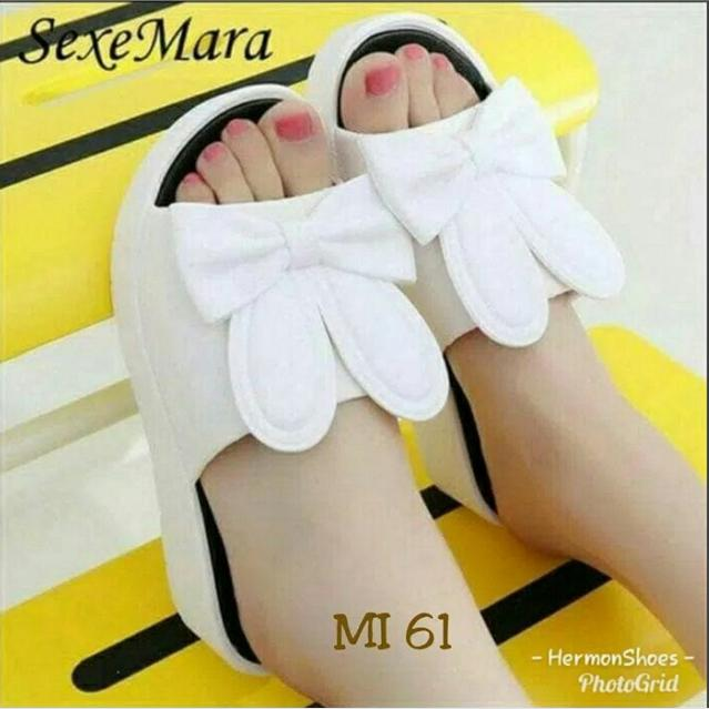 Sandal Wedges Slop Kelinci warna Putih (wedges Trendy)