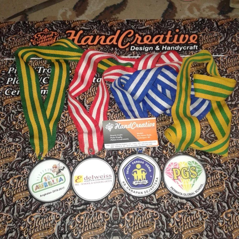 Medali Sekolah Alumni Kelulusan Sma Smp Sd Tk Kuningan Akrilik Murah
