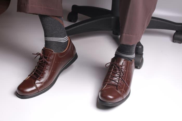 Sepatu Pria kulit Merk Boston (Model Kicker, Adidas, Converse, )