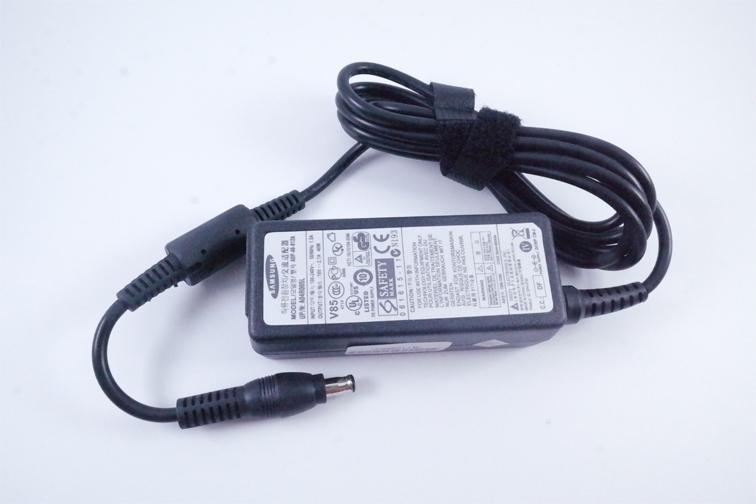 SAMSUNG Ori Adaptor Charger Laptop Notebook 19V 2.1a Jarum (5.5*3.0)