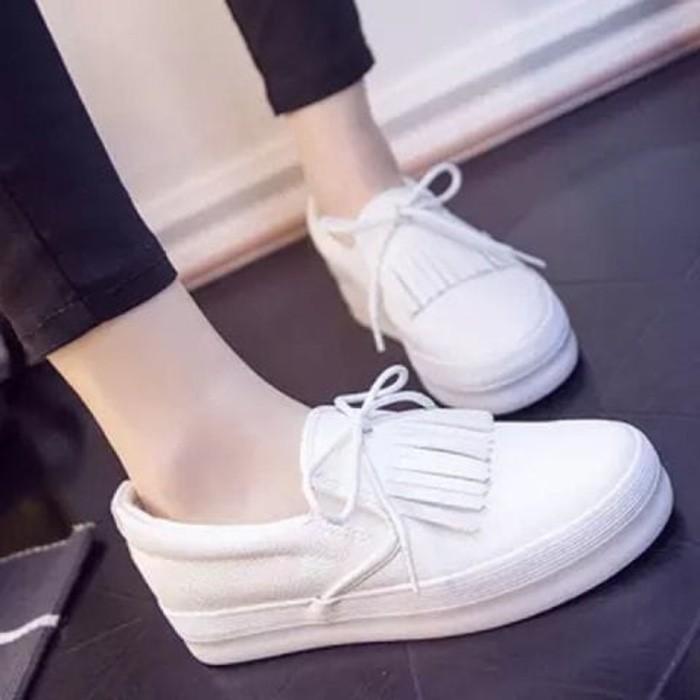 Femine - Sepatu Wanita Sneaker Pucca Casual PC01 - Putih