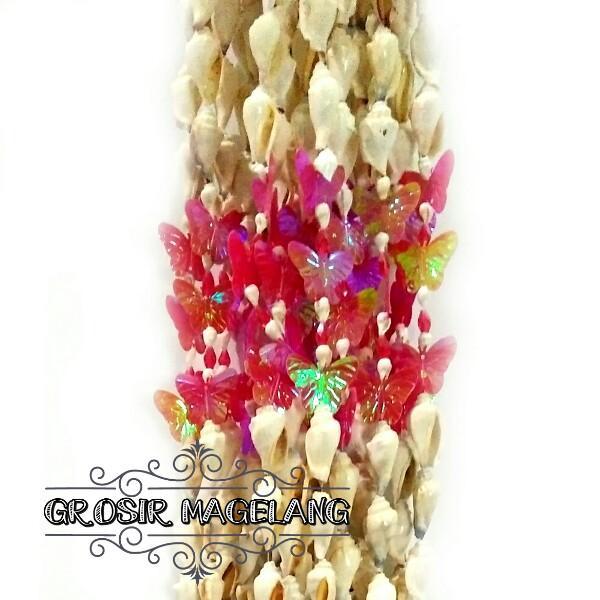 Tirai Rumbai Kerang Hiasan Pintu  Motif kupu-kupu pink Hiasan souvenir Dekorasi Unik Khas Yogyakarta Borobudur oleh oleh ukuran Pintu single