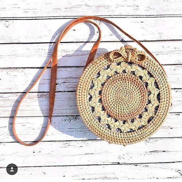 Tas Rotan Bulat Bag Rattan Ate Handmade Sling Beach Gendis Cream Pita / Klip 20cm