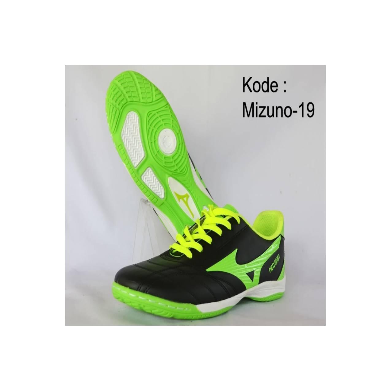Sepatu Futsal Mizuno KW 1 Kode Mizuno 28