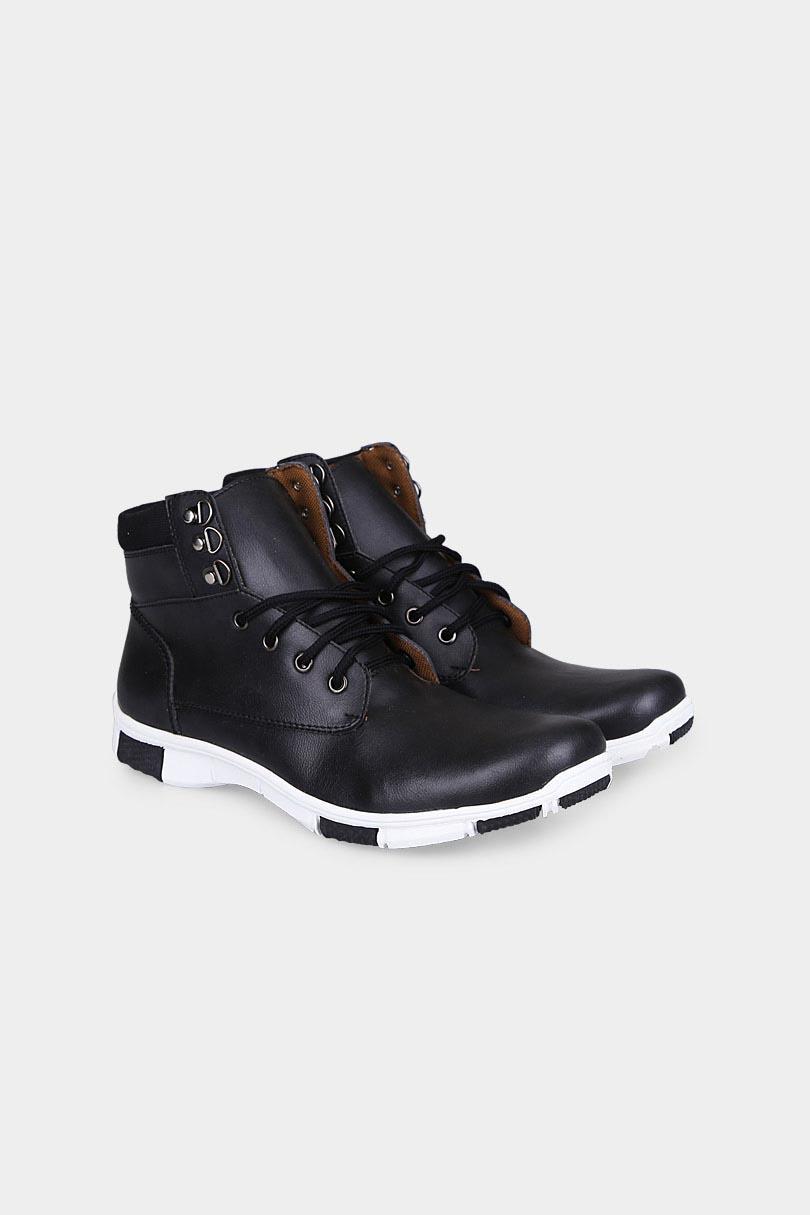 Yongki Komaladi Sepatu Boot Fashion Pria Rb612032 Hitam