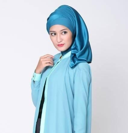 Crosse Mara Hijab - Jilbab Pashmina - Satin Premium - Broken White - Putih Gading