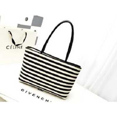 Tas besar Givenchy motif hitam putih tali pendek BTA005