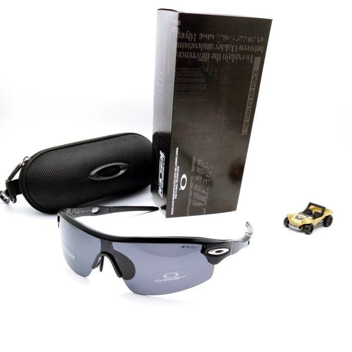 Kacamata Sport Okley Quantum 6 Lensa / Gowes Olahraga Sepeda Motor. IDR 167,000 IDR167000.