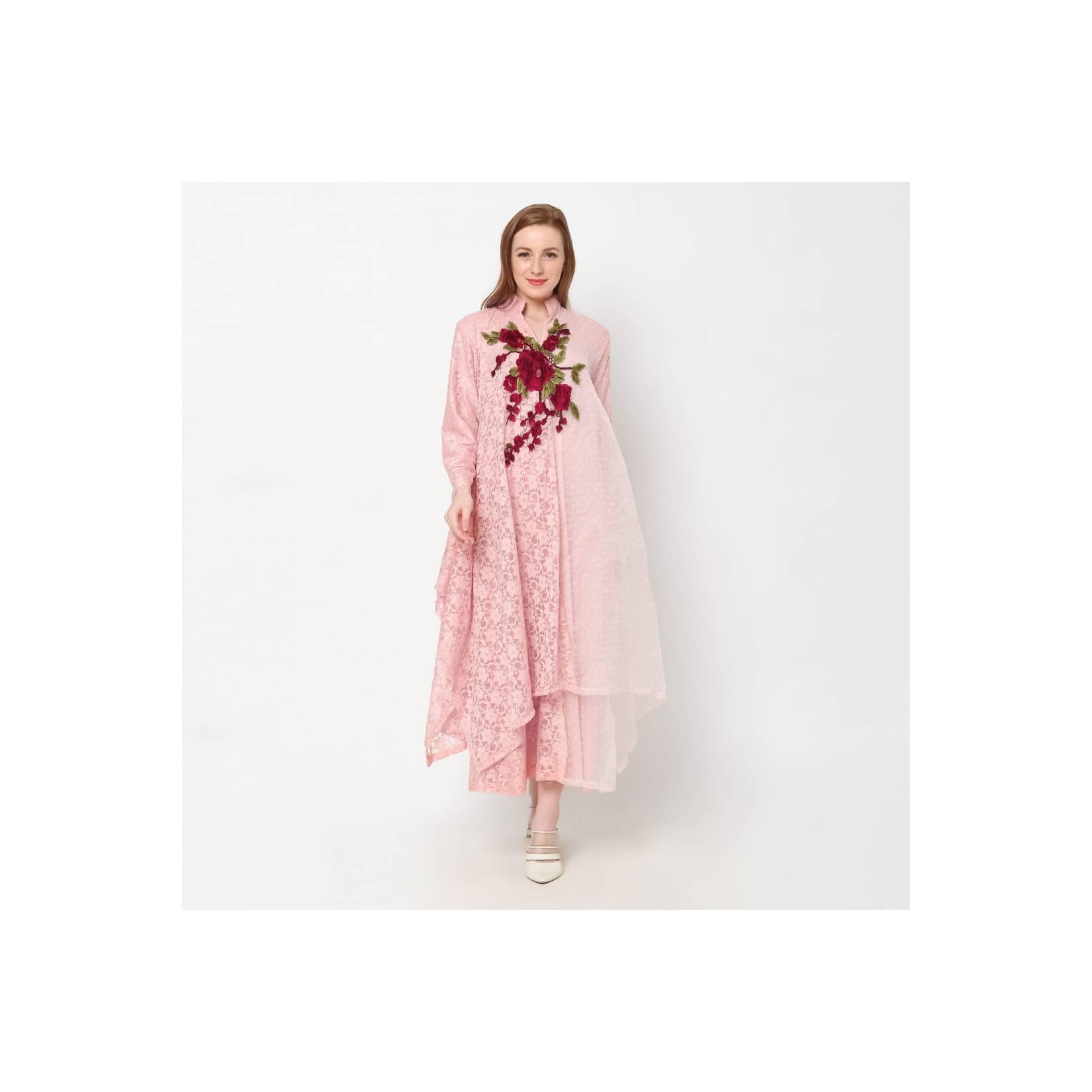 Kalila long dress dengan kombinasi brukat dan rubiah