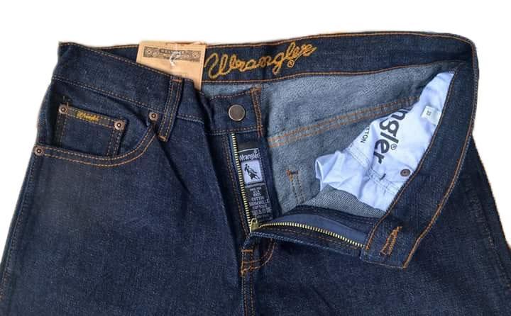 Celana Jeans Pria Wrangler Standar/Reguler - Garmen