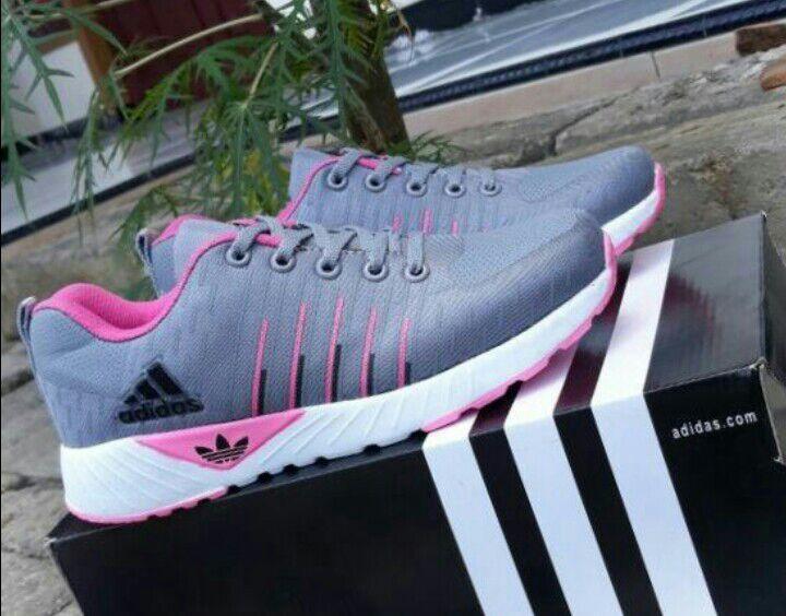 Sepatu Wanita Adidas Sport