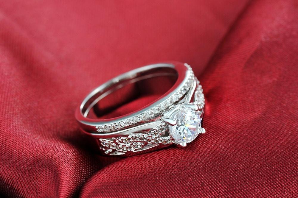 Diskon Promo Perhiasan Aksesoris Cincin Berlian Lapis Emas Putih Perhiasan Kalung Gelang BR078 Murah