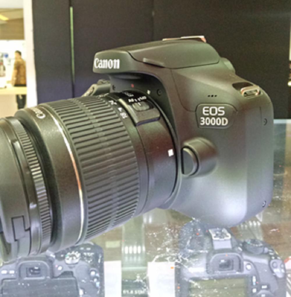 Canon EOS 3000D Kit 18-55mm III jpckemang GARANSI RESMI Fullset