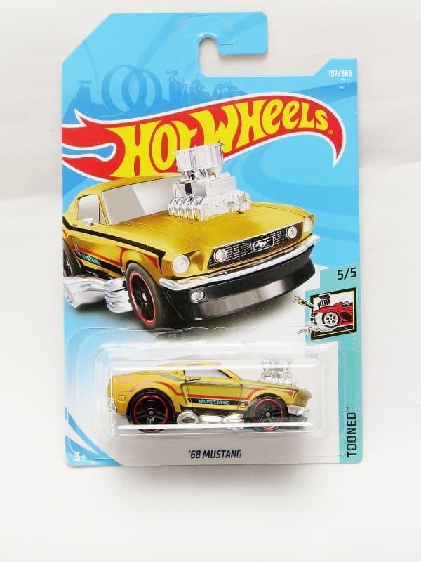 Termurah Mainan Koleksi Hot Wheels '68 Mustang Tooned - gold Harga Grosir