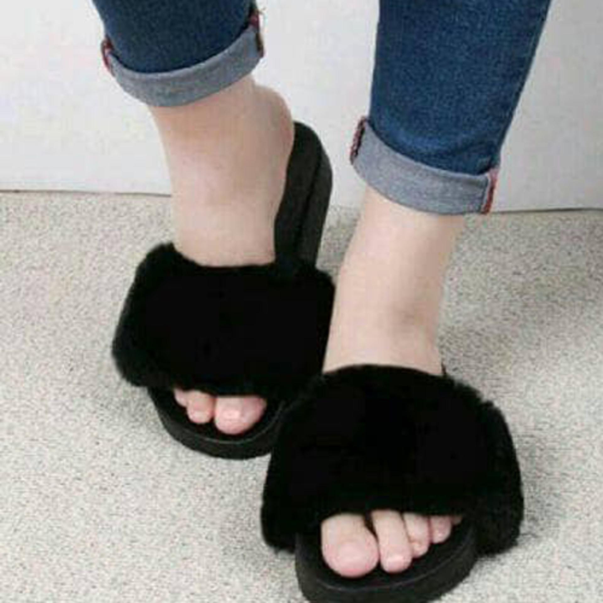 Sandal Wanita Slop Bulu SDL72 Hitam