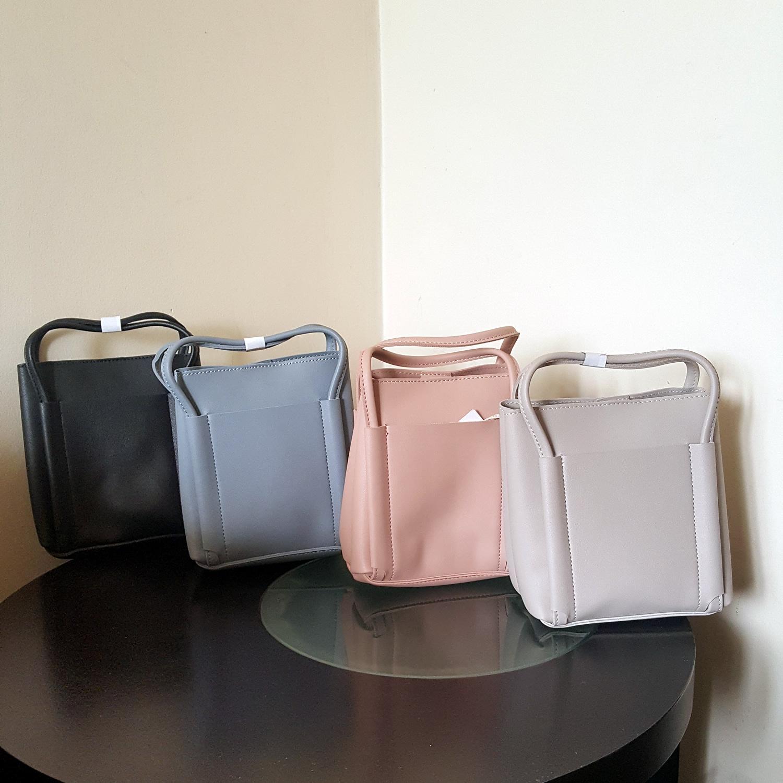 MINISO Tas Selempang Casual Handheld Tote Bag