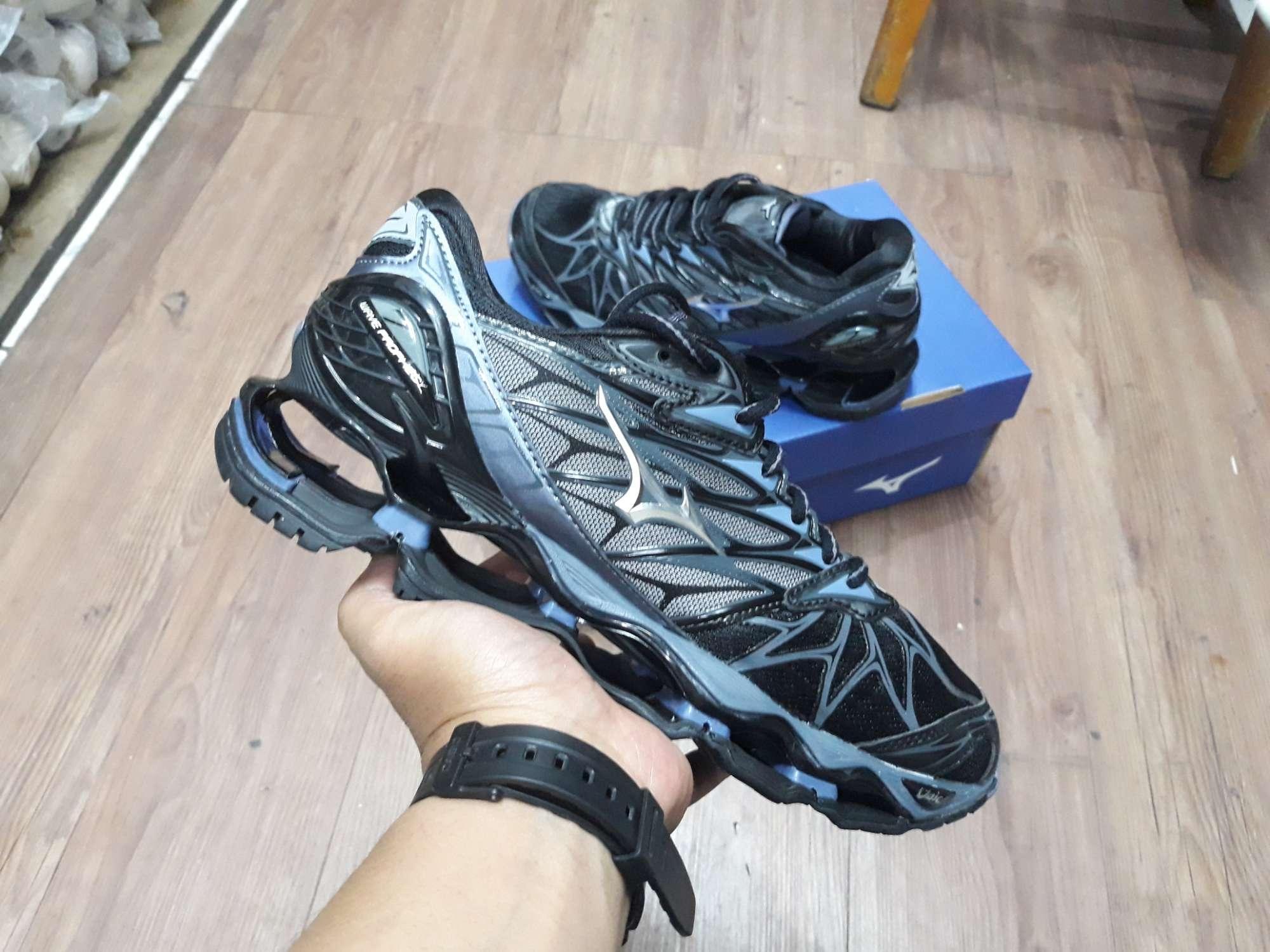 promo harga Terbaru Sepatu Mizuno Wave Light Paling dicari Oktober ... 692ca3811d