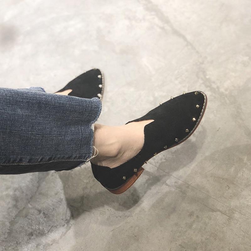 Paman Yang Floret 2018 Musim Semi Baru Gaya Chic Daftar Sepatu Wanita Tumit Medium SHARP End 100 Mengambil tebal dengan Menghidupkan Kembali Kebiasaan Lama Rivet Joy Sepatu Santai-Internasional