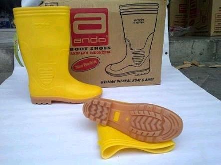 Sepatu Boot Kuning Proyek Ando By Twinkleshop.