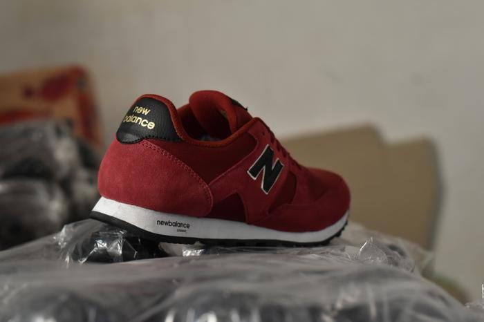 Sepatu Sport Casual Pria Merah Hitam - NB 22