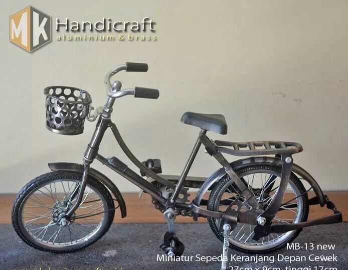 Best Seller - Diecast Miniatur Sepeda Jawa Keranjang Depan Cewek - MK Aluminium - Miniatur Sepeda Terlaris