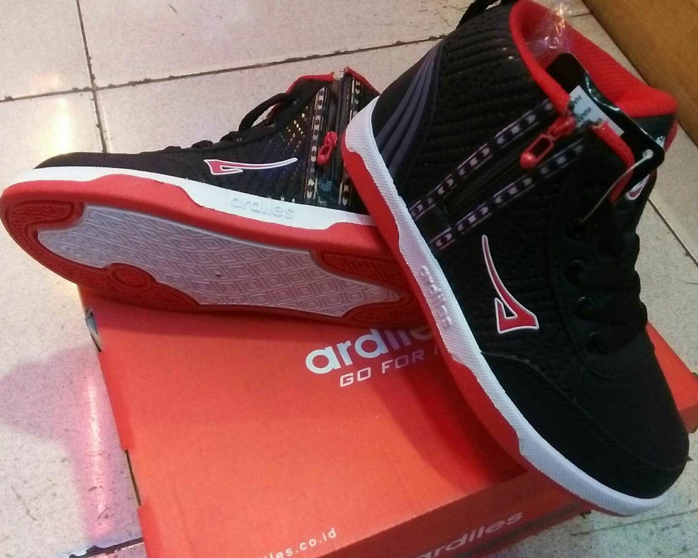 Ardiles Guppy Sepatu Casual Sepatu Sekolah Warna Hitam PutihIDR135000. Rp 140.000
