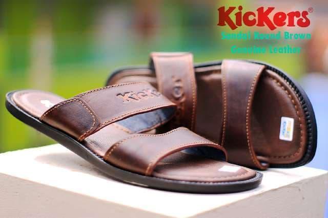 Diskon 10%!! Sandal Kulit Kickers Pria Kasual Asli Slip On Elegan Buat Lebaran Cokl - ready stock