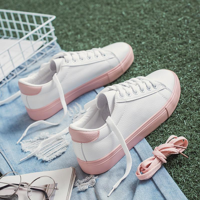 2018 model baru yang chic gaya Korea sepatu putih kecil wanita musim semi Kulit murid sol datar sepatu wanita Gaya Korea Sepatu putih netral sepatu sneaker