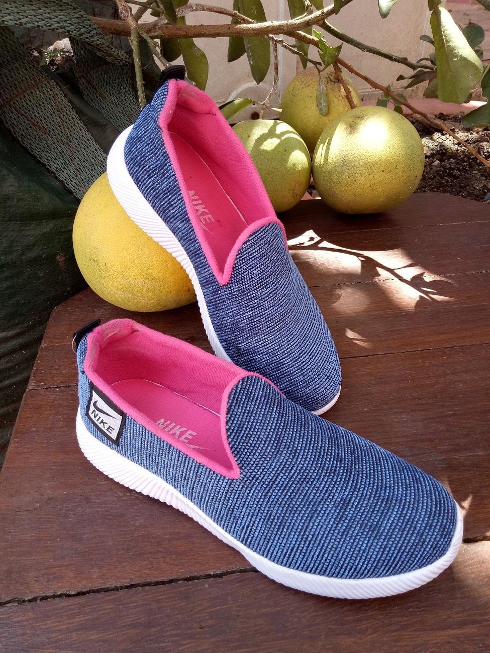 Sepatu pria wanita / sepatu casual murah / sepatu sport promo / sepatu kekinian / sepatu original nike adidas / sepatu terbaru termurah / sepatu terlaris / sepatu terkini / sepatu sneakers slip on / sepatu murah premium original / hv02bluepink