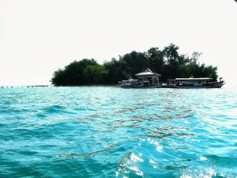 Citra Nashwa Tour Pulau Pramuka Tour - 2 D 1 N