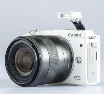 Canon EOS M3 Kit EF-M15-45 IS STM Putih