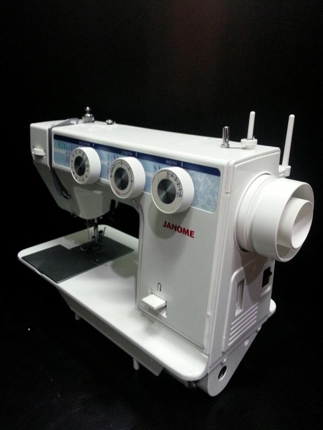 Mini Portable Ada Lampu GT 202 - FHSM 202 . Source · Janome .