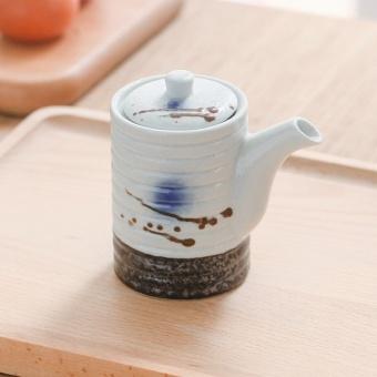 glasir keramik Cara melapisi barang tembikar dengan glasir keramik kaca (glasir) merupakan  sebuah campuran kompleks yang akan tergabung pada barang tembikar.