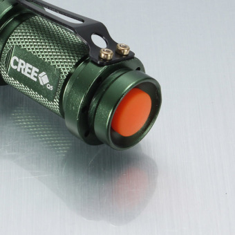 UltraFire 7 Watt 300 Lumen xPE-Q5 LED fokus Zoomable Mini 14500 .