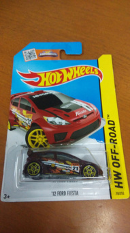 Hot Wheels - 12 Ford Fiesta Red