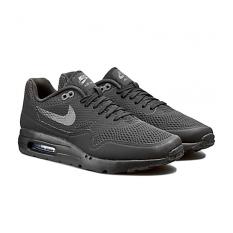 Nike AirMax1UltraEssential Sepatu Lari - Black