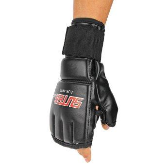 Bantalan Kepalan Tangan Tangannya Fokus Sasaran MMA Muay Thai Mengenakan Sarung. Source .