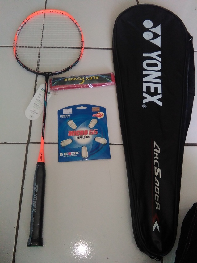 LONGLIVE Raket Badminton 5u Serat Karbon Ultralight Karbon. Source · Raket Yonex NanoRay Z Speed