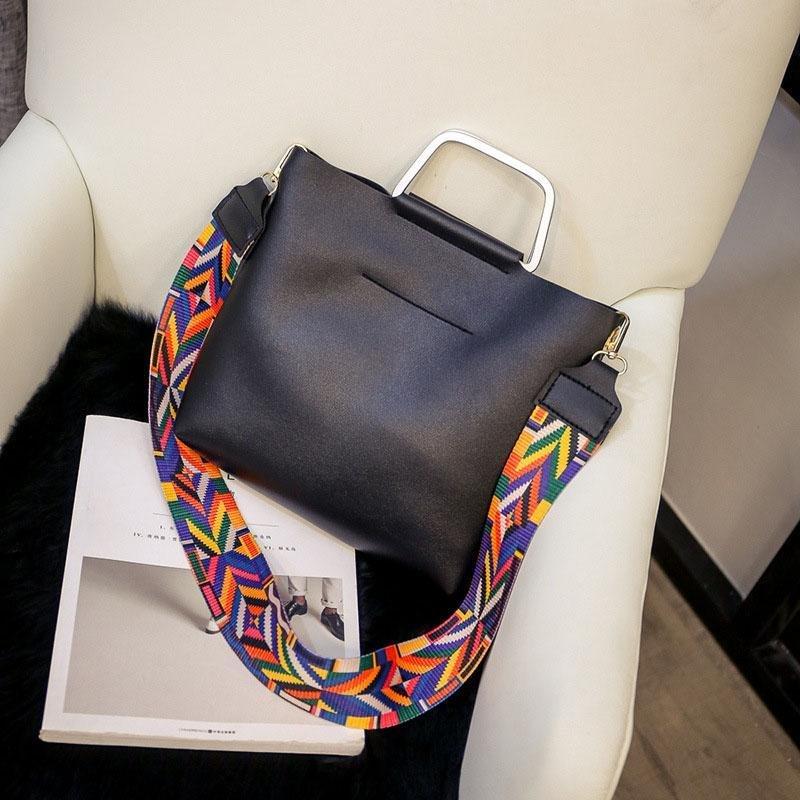 2 buah Tas Selempang Kulit Fashion Bergaya Korea Dengan Kapasitas Besar Untuk Wanita .