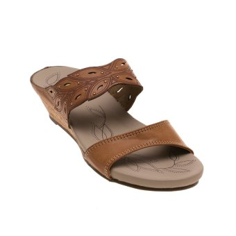 Gambar Bata Comfit Thana Strappy Sandals Cokelat