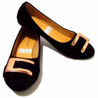 Binev Sepatu Slip On Wanita Develop 002 - Black