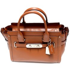 Coach Swagger 27 in Pebble Leather (Saddle)