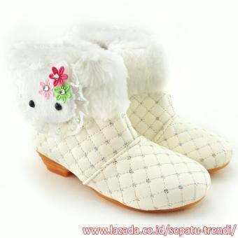 TrendiShoes Sepatu Boot Anak Perempuan Elegan Boneka Bulu - Putih